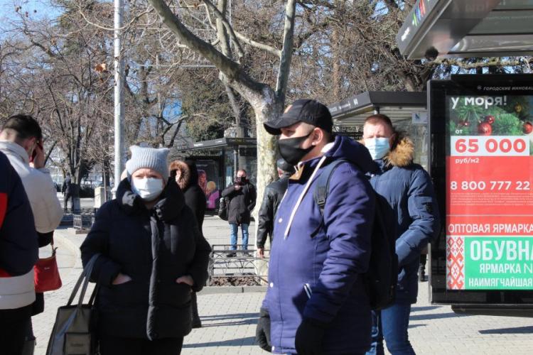 В Севастополе еще на месяц продлили масочный режим