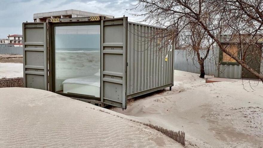 В Крыму туристам предлагают отдых в грузовых контейнерах (фото)