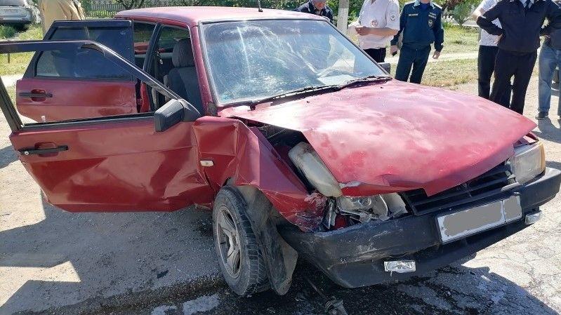 В Крыму в лобовом столкновении пострадала женщина