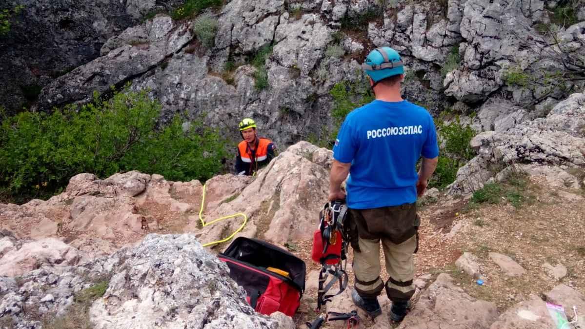 Крымские пещеры оборудуют стационарными точками навески снаряжения