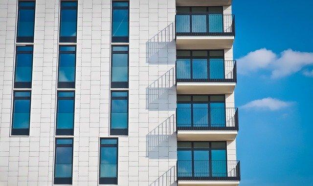 Крым и Севастополь вошли в рейтинг регионов РФ с самым дорогим жильем