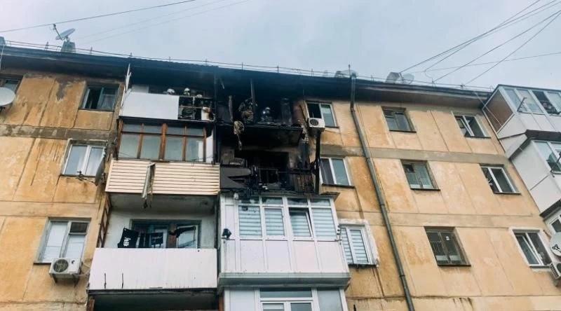 Ожоги рук и лица: на пожаре в севастопольской многоэтажке серьезно пострадал человек