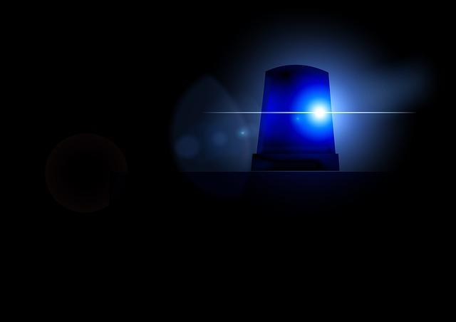 В Севастополе мужчина выпал из окна четвертого этажа