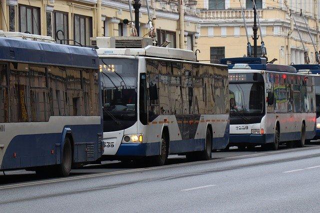 На время репетиций парада в Симферополе изменят движение троллейбусов и автобусов
