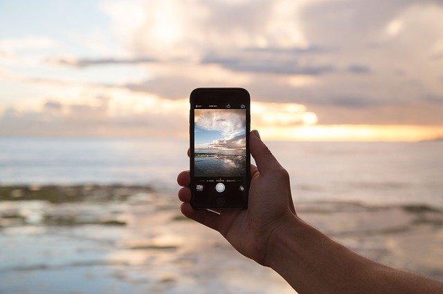 В Крыму злоумышленники похитили дорогостоящие мобильные телефоны