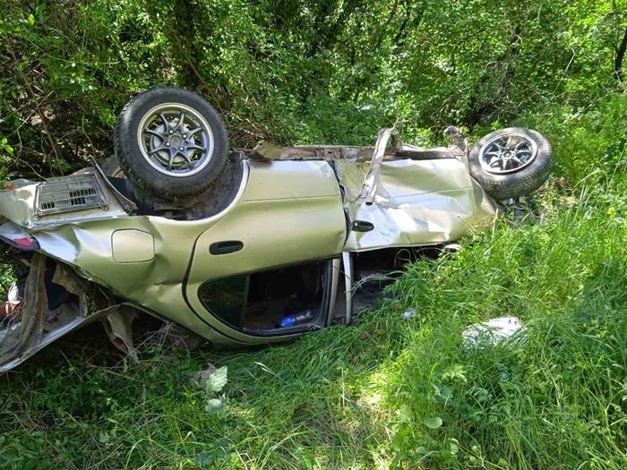 В Бахчисарайском районе иномарка вылетела с дороги и перевернулась (фото)