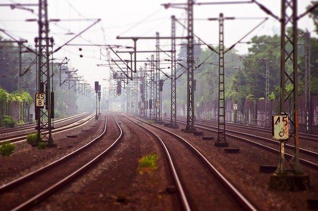 В Симферополе мужчина погиб под колесами поезда