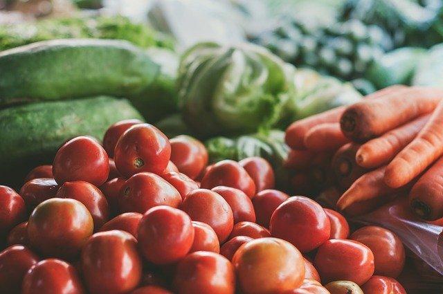 В Крыму подорожали свежие огурцы и помидоры