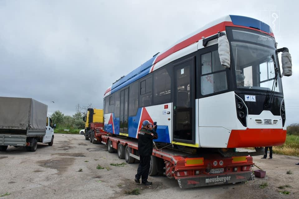 Евпатория получила первый трамвай, произведенный специально для курорта