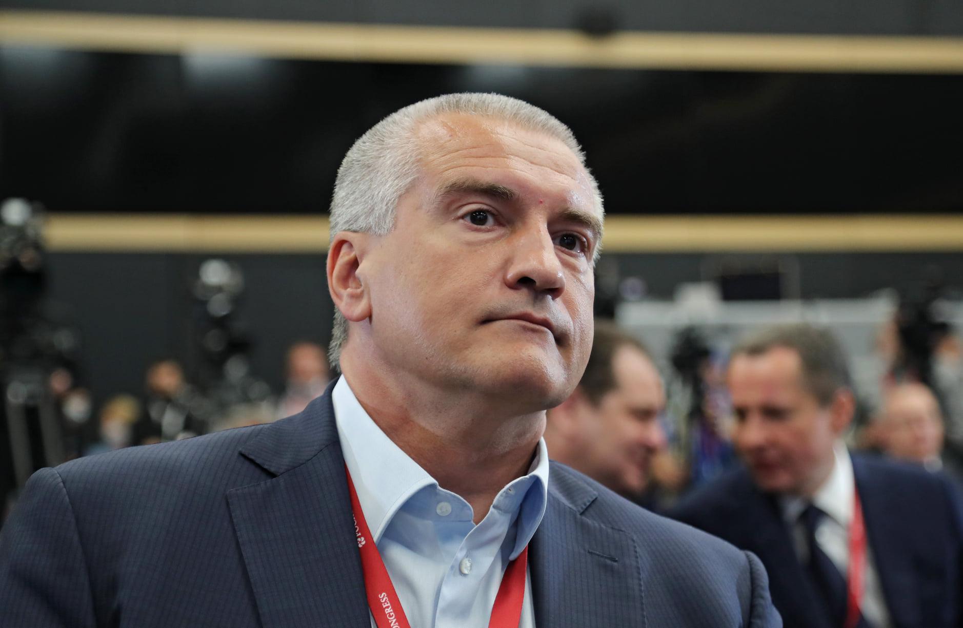 Аксенов рассказал, что не пошел бы в науку из-за низкой оплаты труда