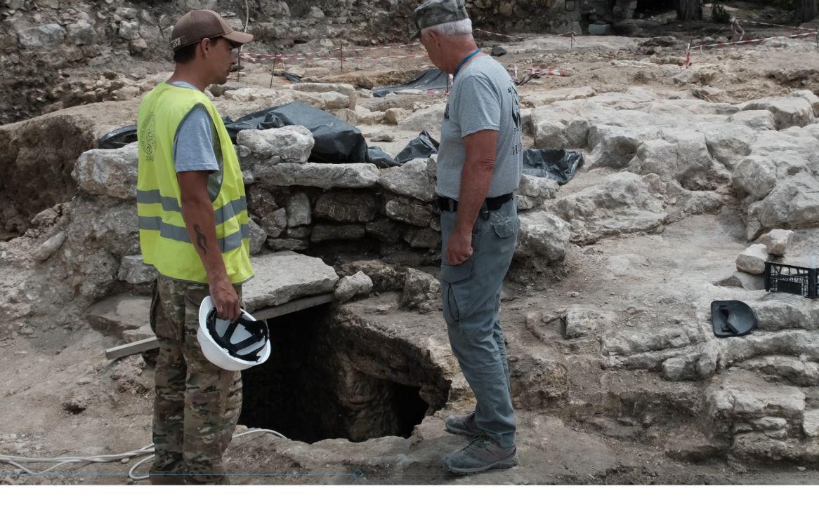 Петербургские археологи обнаружили склеп IV-VII веков в пригороде Херсонеса