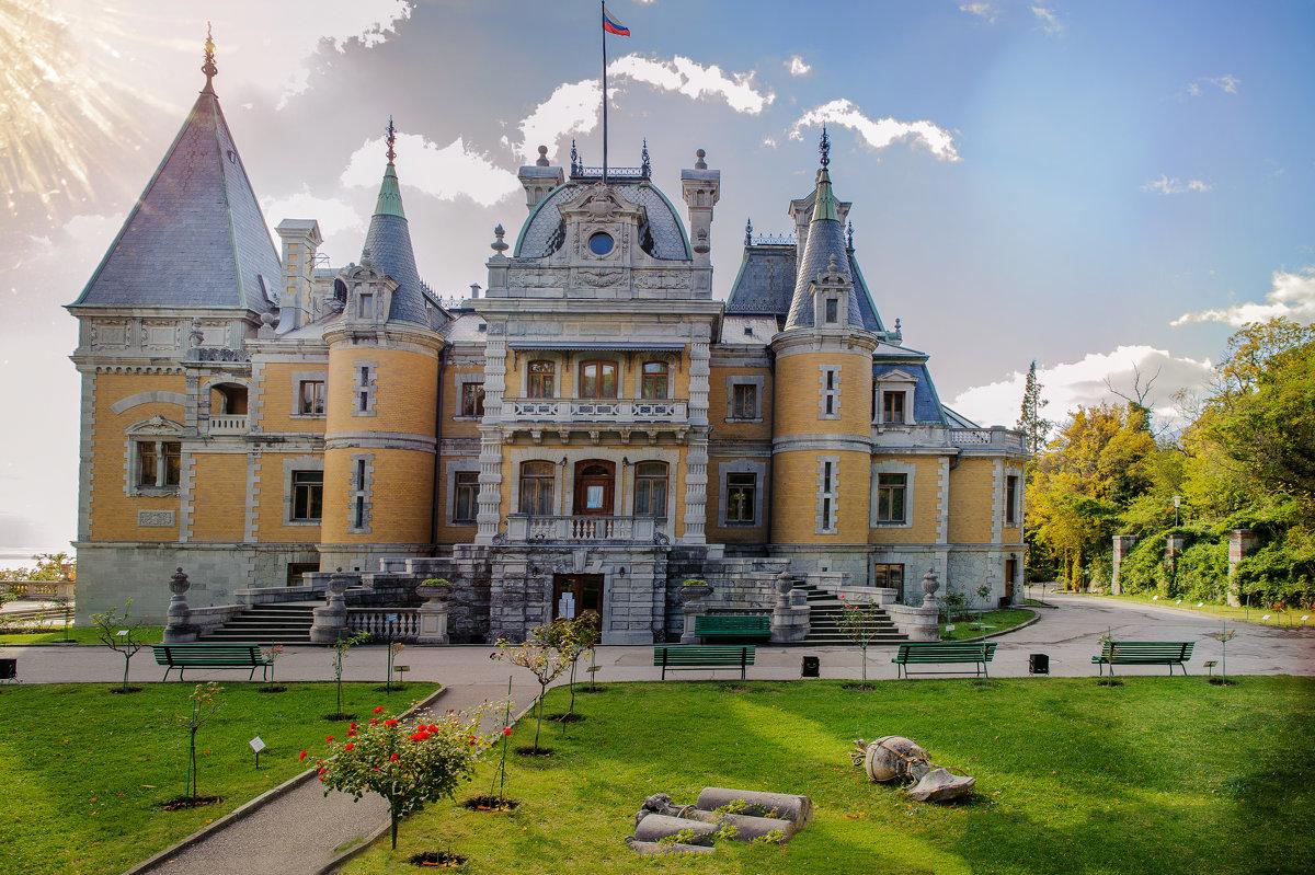 В Массандровском дворце проходит выставка коллекции музеев РФ