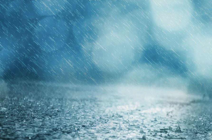 В Крыму объявлено штормовое предупреждение: ожидается подъем воды в реках до 1,5 метров