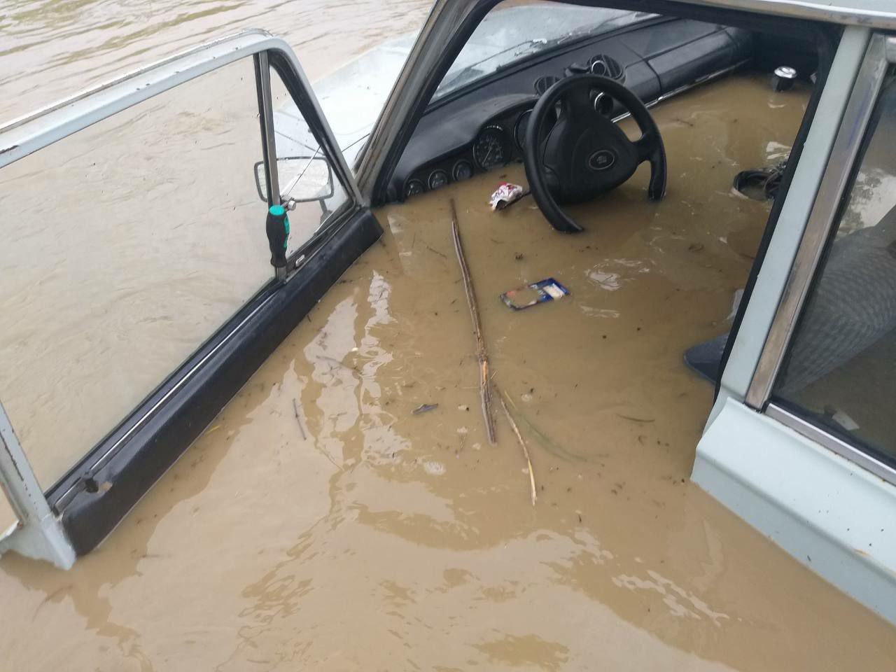 Пострадавшие от потопа автовладельцы в Крыму не получат страховые выплаты
