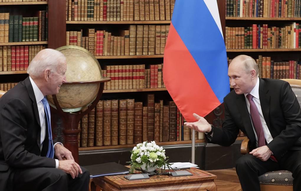 Переговоры Путина и Байдена в Женеве прошли «скорее со знаком плюс» — Песков