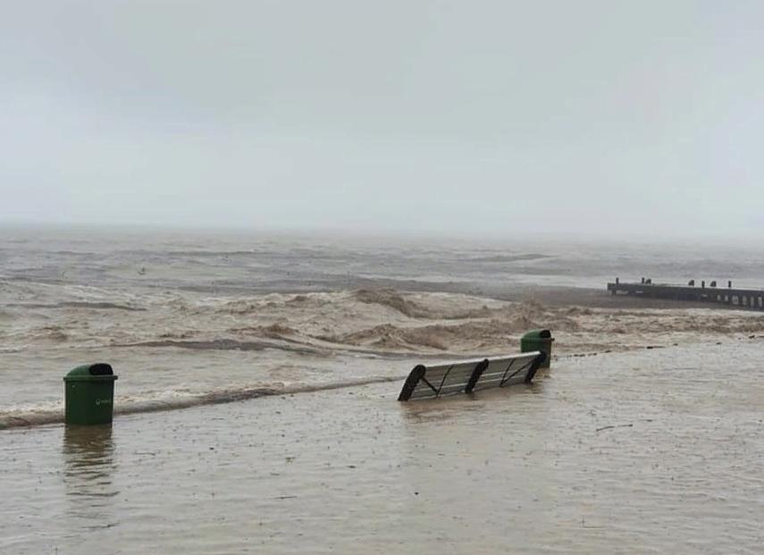 Черноморский флот поможет жителям Крыма, пострадавшим от потопа