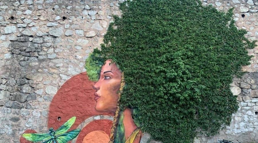 Фотозона: В Ялте появились новые стрит-арт объекты