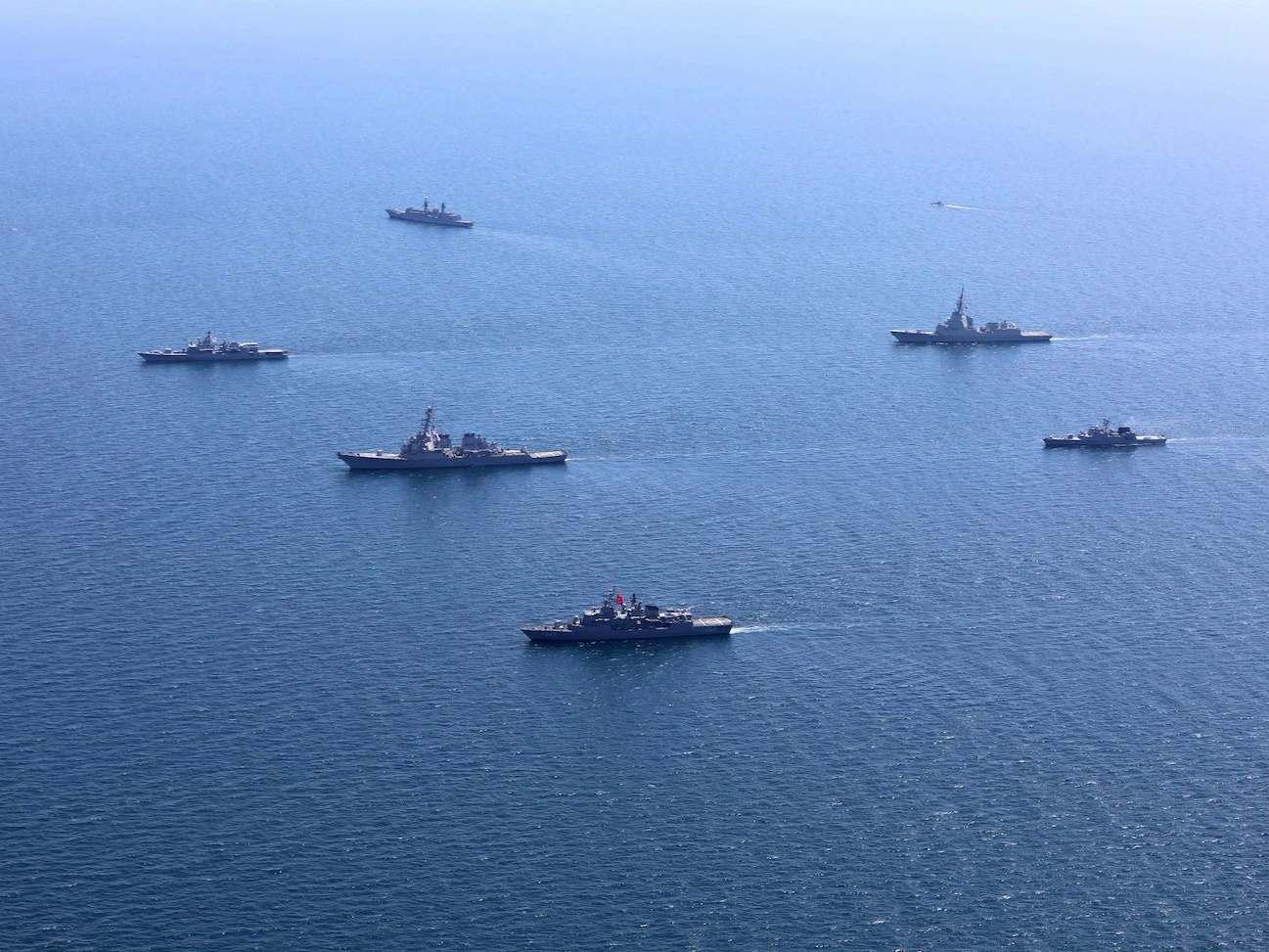 Россия обеспокоена военно-морскими учениями НАТО в Черном море