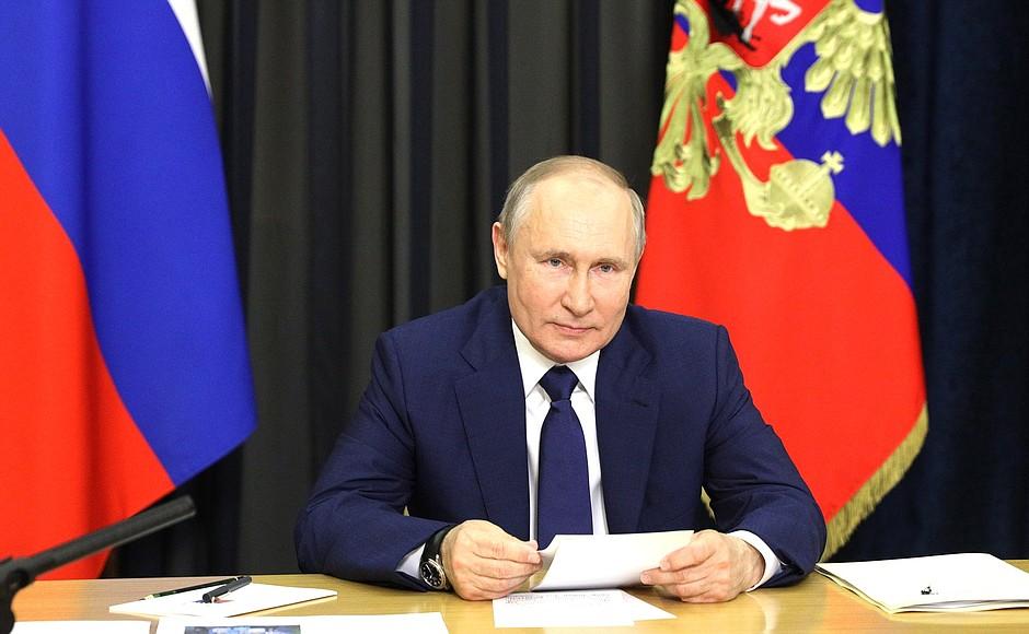 Путин заявил, что Россия выходит из пандемии коронавируса