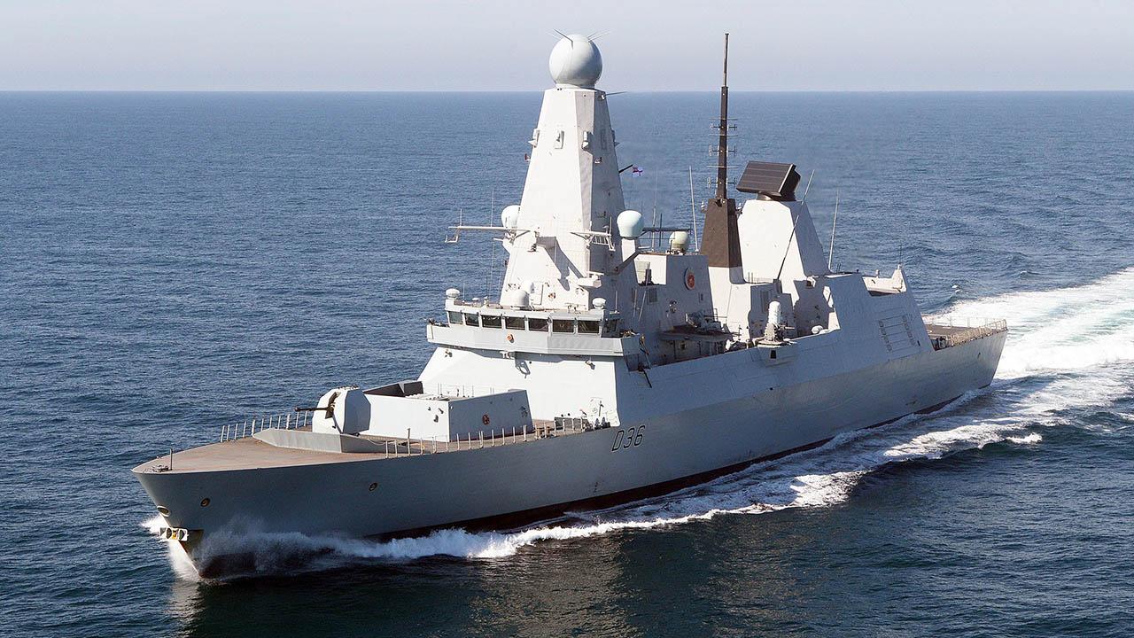 Британский эсминец был в 12 милях от Крыма — СМИ