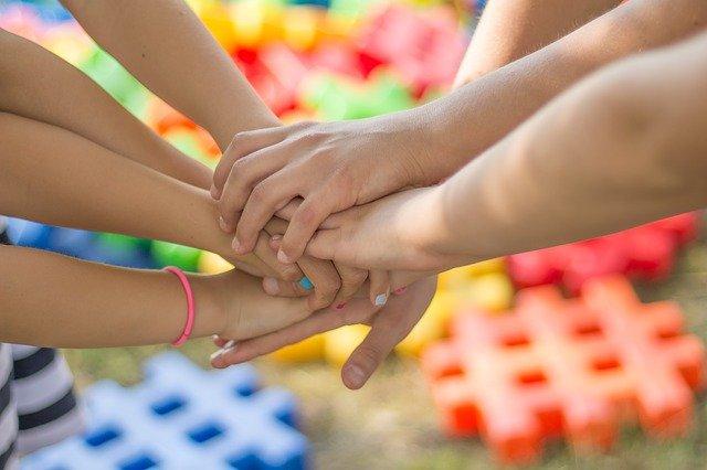 Аксенов поздравил крымчан с международным днем защиты детей