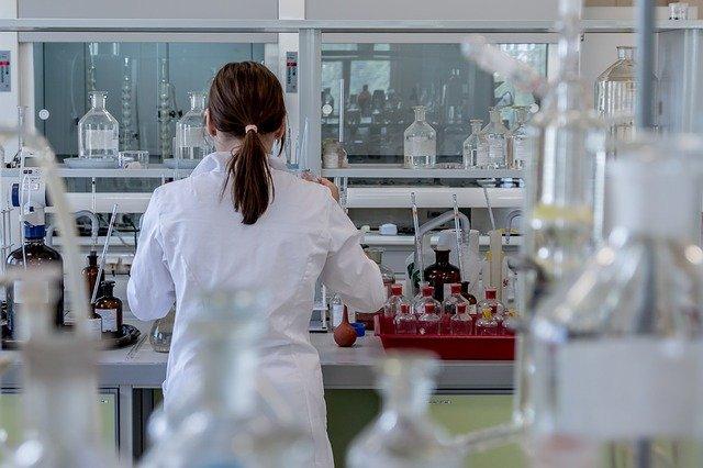 В России выпустят спрей с антителами для защиты от ОРВИ