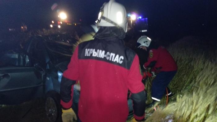 В западном Крыму иномарка вылетела с трассы, есть жертвы