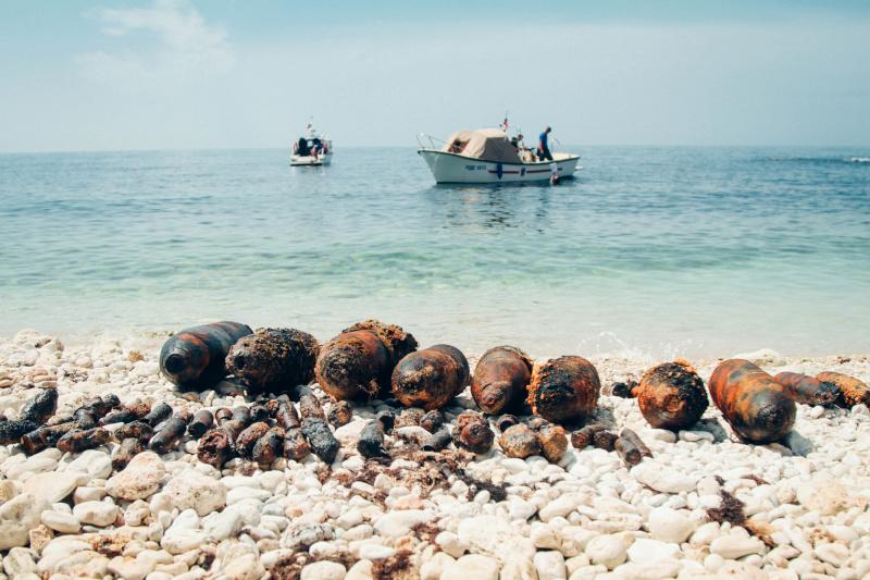 Севастопольские саперы обезвредили боеприпасы на суше и в море (видео)