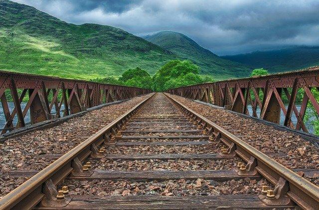 Российские семьи с детьми смогут купить билеты на поезда со скидкой