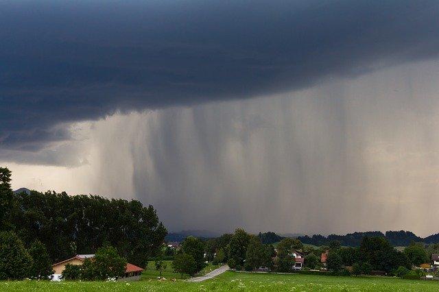 В Крыму 17 июня пройдут грозовые дожди с градом