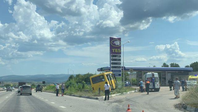 В Севастополе в ДТП попал пассажирский автобус