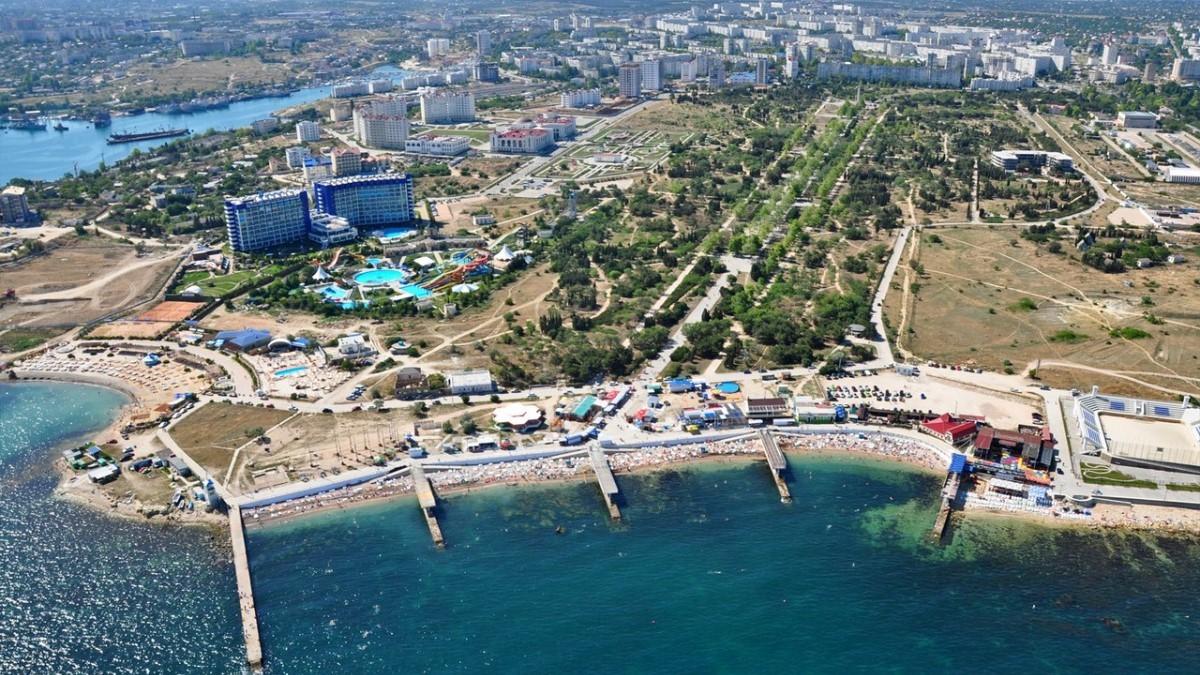 Набережная разных стилей или нерасторопность севастопольских чиновников