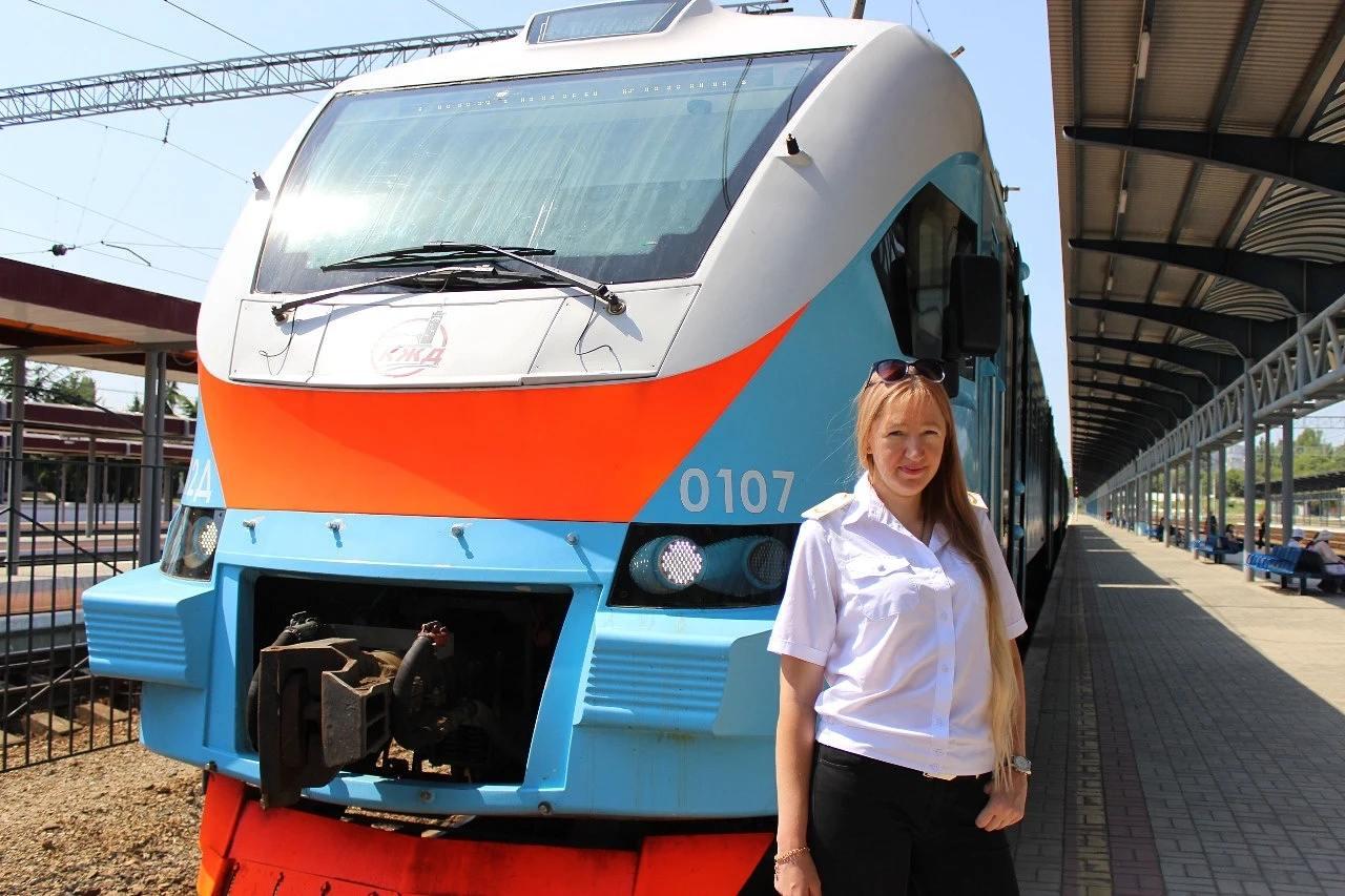 Впервые в Крыму женщина будет управлять электропоездом