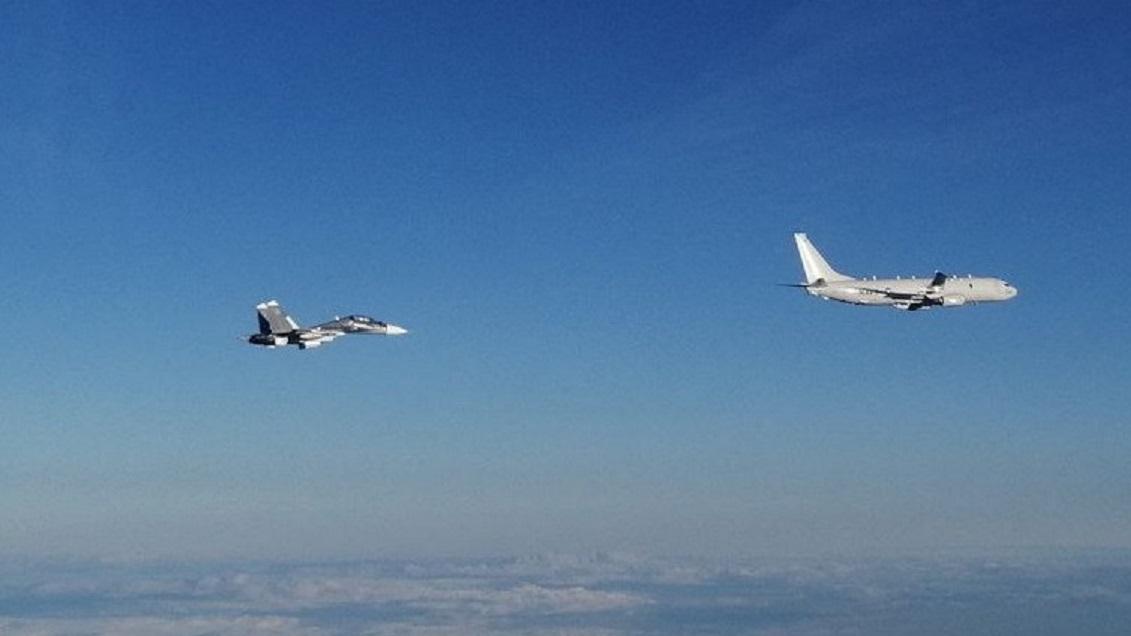 Российские истребители проконтролировали самолет-разведчик НАТО над Черным морем