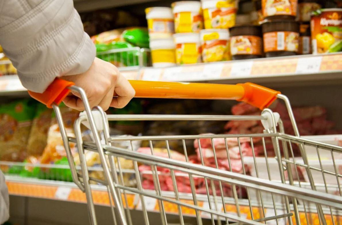 Россияне продолжают экономить на покупке товаров повседневного спроса
