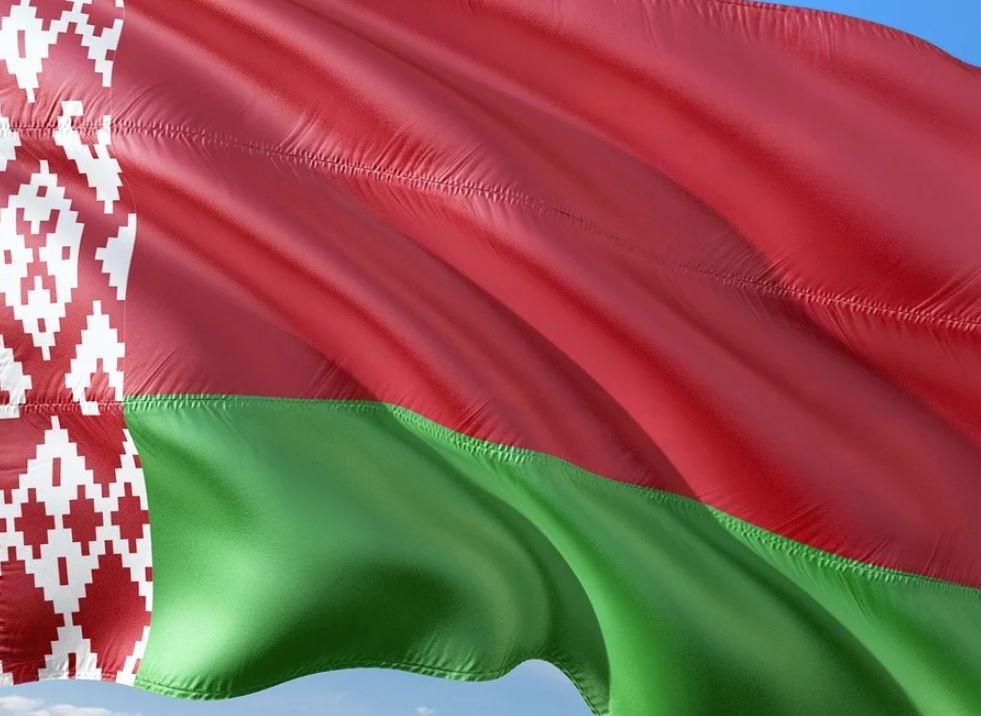 Белоруссия перекрывает границу с Украиной
