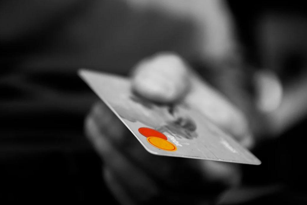 Дистанционный мошенник из Челябинска выманивал у крымчан деньги