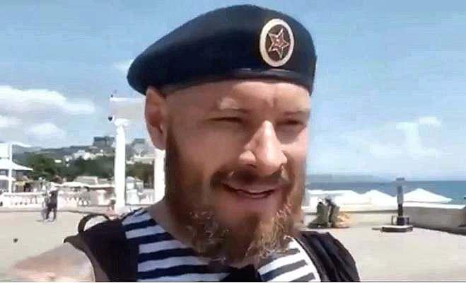 От Симферполя до Алушты: в честь Дня ВМФ крымчанин пробежал марафон