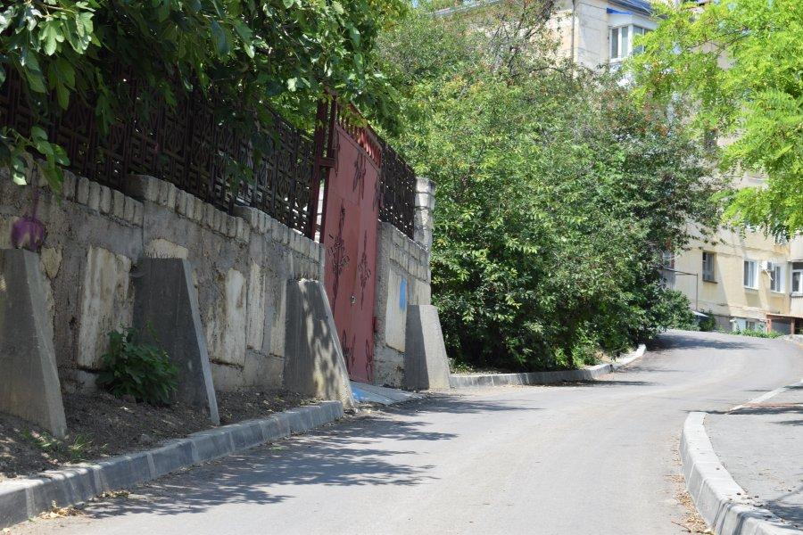В Севастополе отремонтировали улицу Бирюлева