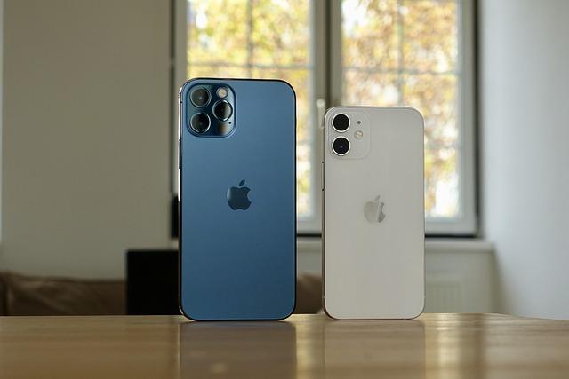 В России рекордно подешевел iPhone 12
