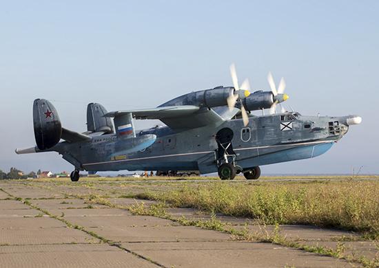 Авиация ЧФ вернулась из Санкт-Петербурга после участия в главном военно-морском параде