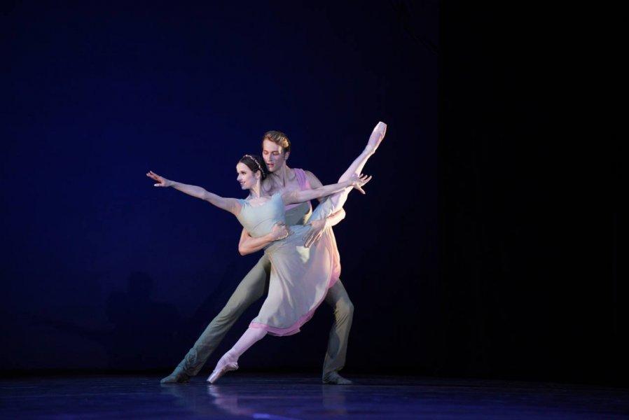 Артисты Мариинского тетра выступают на сцене Херсонеса