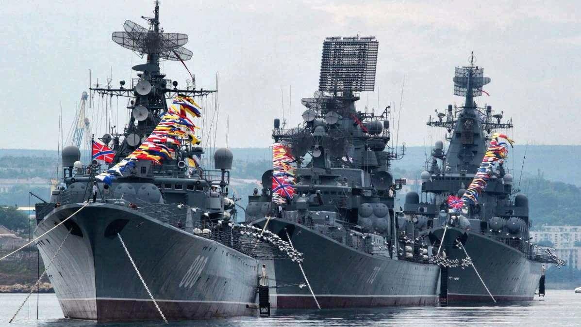 В Севастополе в День ВМФ будут «барьерные ограничения» и не состоится фейерверк