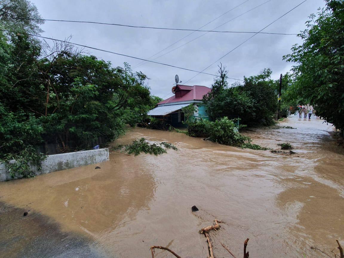 Проходит эвакуация жителей 50 подтопленных домов Бахчисарайского района