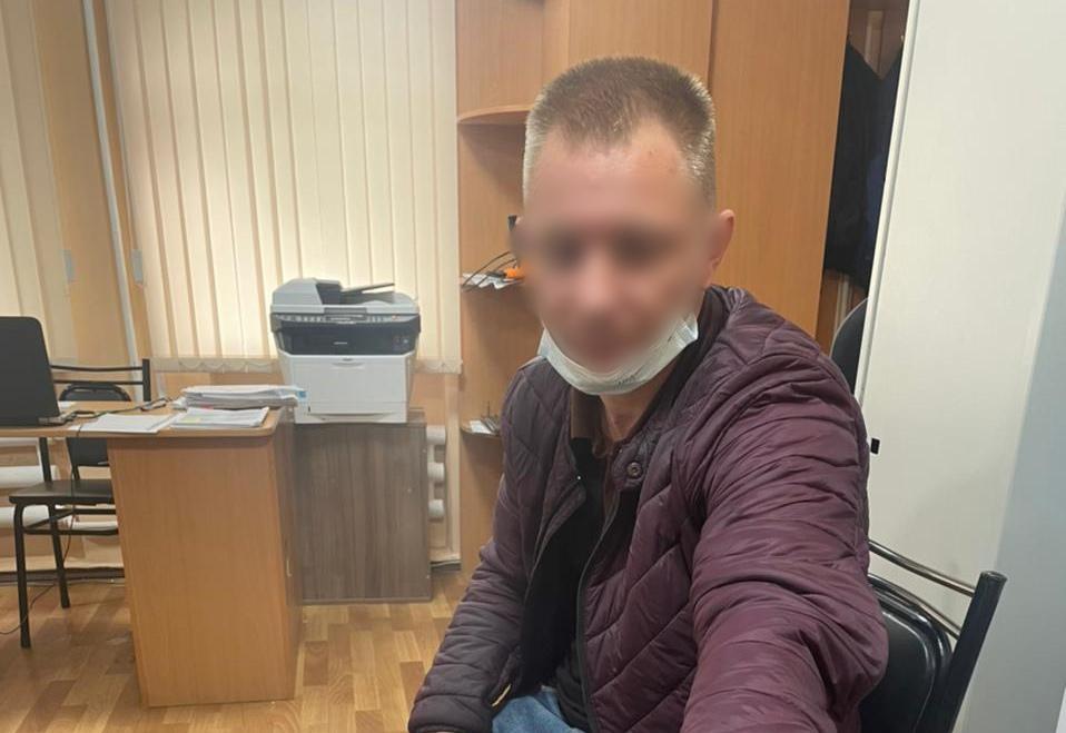 В Симферополе приезжий избил и изнасиловал девушку-инвалида, у которой снял квартиру