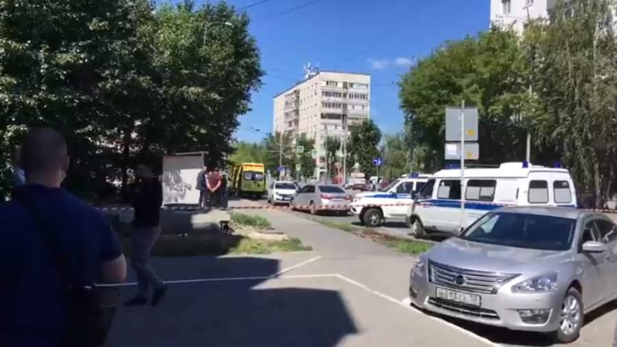 Мужчина с муляжом бомбы взял в заложники сотрудников Сбербанка в Тюмени