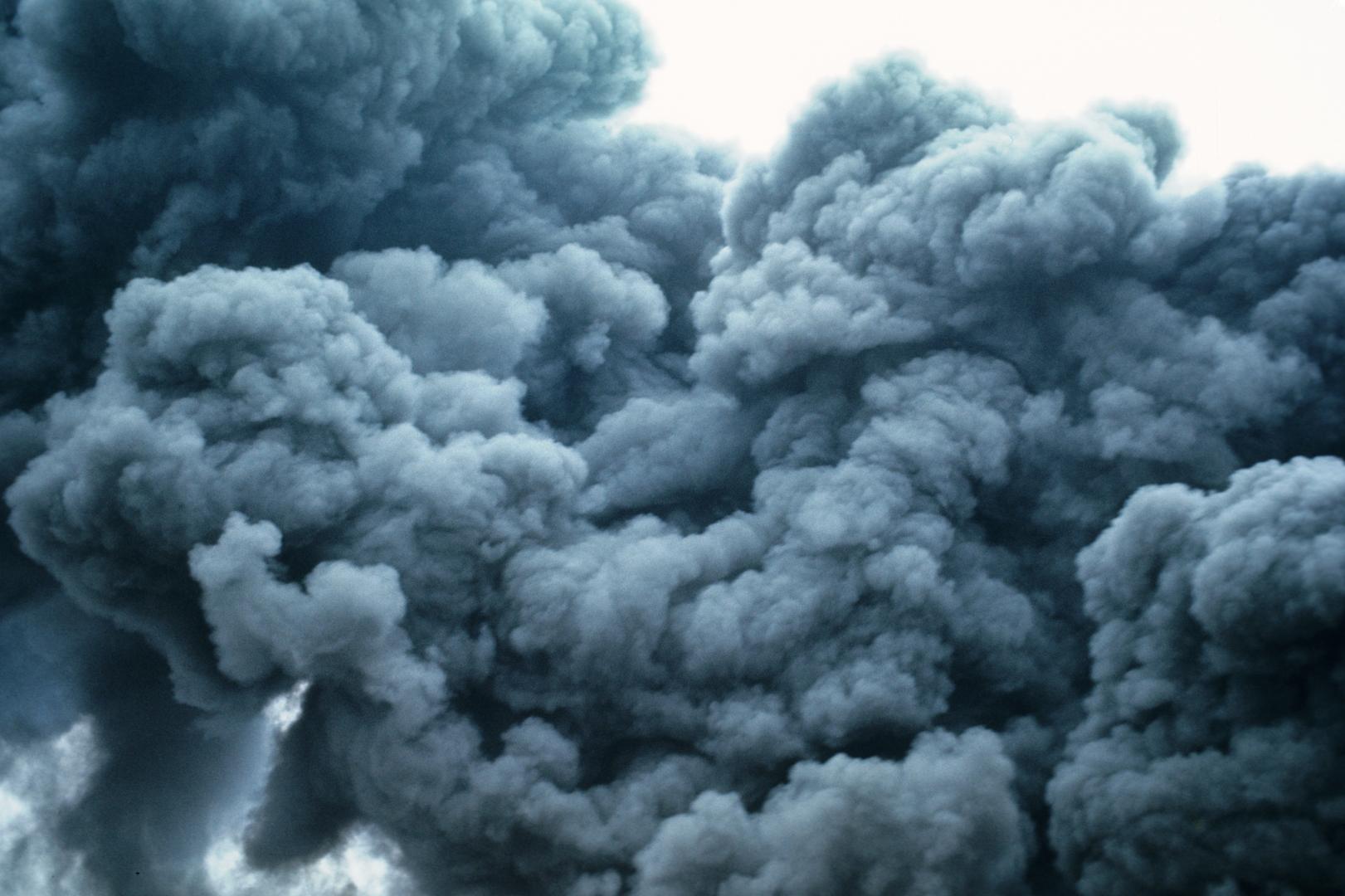 В Евпатории горит мусорный полигон, город накрыло дымом