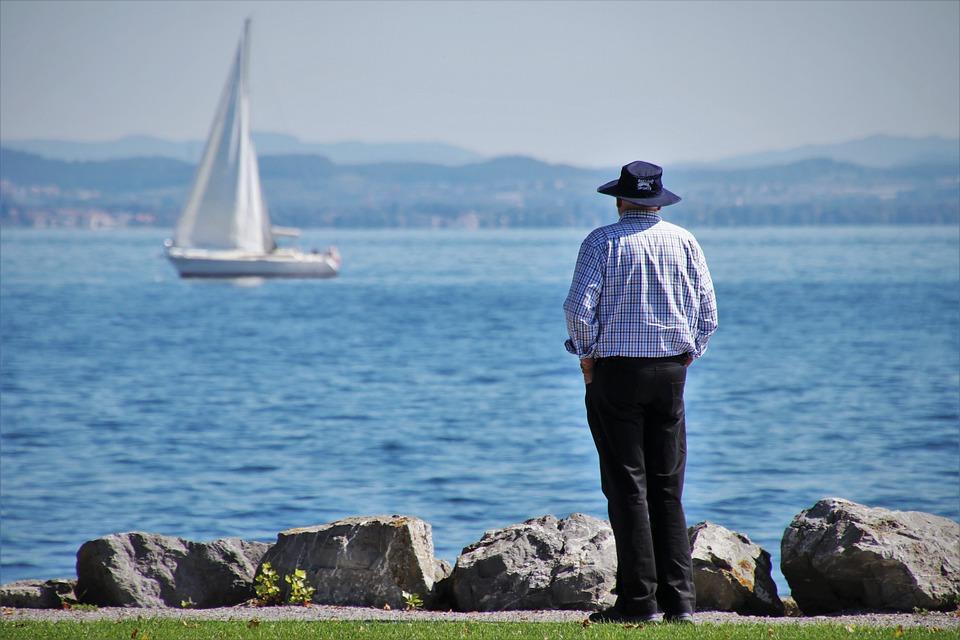 Менее 1% россиян хотели бы жить на пенсии в Ялте и Феодосии