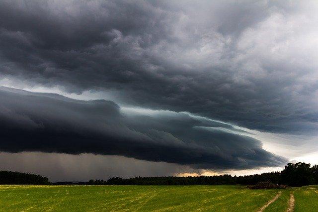Ливни, грозы, местами град: прогноз погоды в Крыму на 5 июля