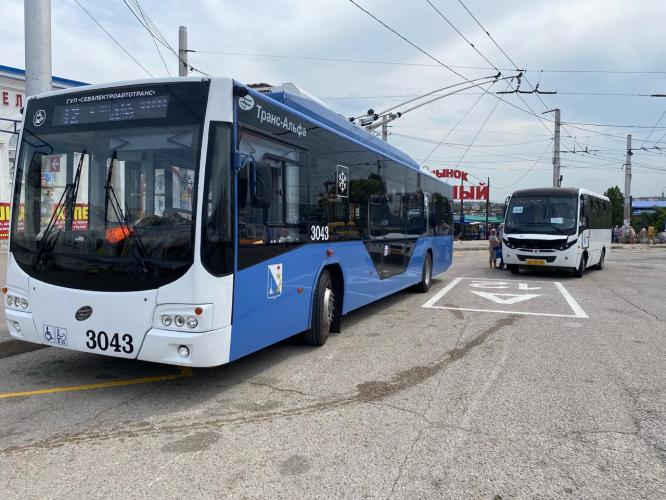 В Севастополе ввели стандарт заполняемости общественного транспорта